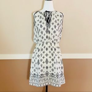 Dynamite Sleeveless Black & White Dress Small